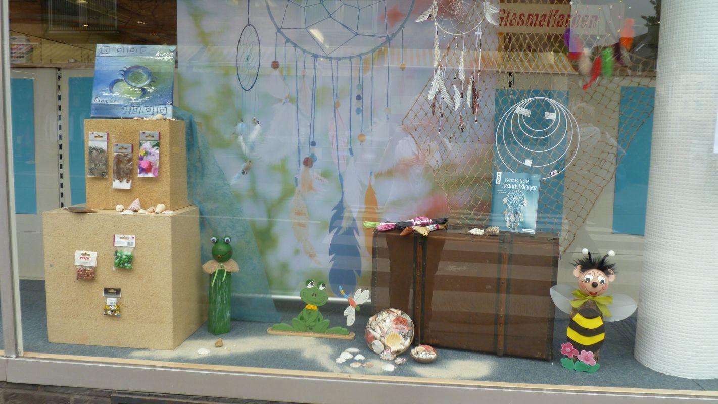Fabelhaft Schaufensterdekoration Beispiele Referenz Von Hobbymade Köln Schaufenster 3