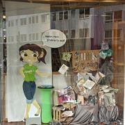 august-schaufenster-hobbymade-duesseldorf-2019-1